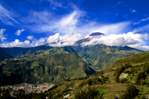 Tungurahua with Banos in the foreground and the communities around the flank (Photo: Jon Stone)